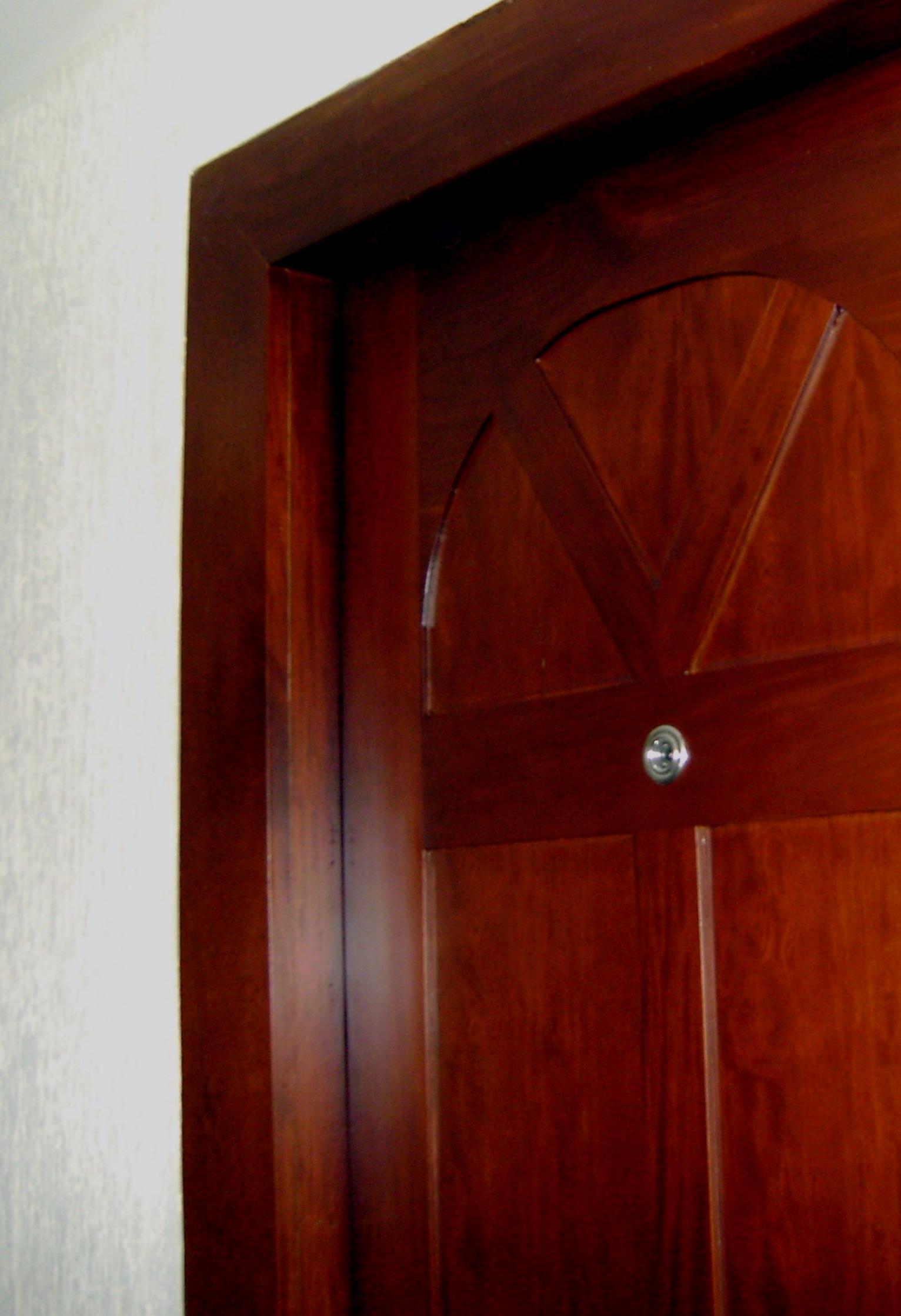 Puertas carpinter a talentos for Puertas de madera en concepcion